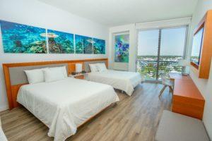 TRYP Ft. Lauderdale guestroom