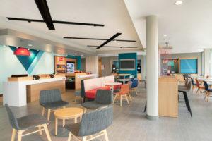 avid-Hotel-Oklahoma-City-public-space