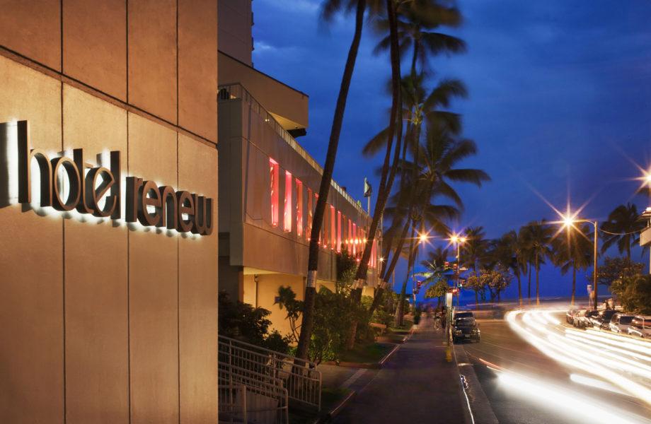 Hotel Renew exterior
