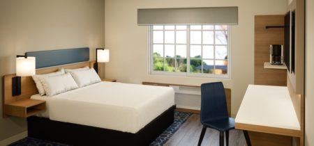 Microtel-Moda-Prototype-Guestroom